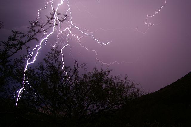 Monsoon_Lightning_Strike,_Table_Mesa